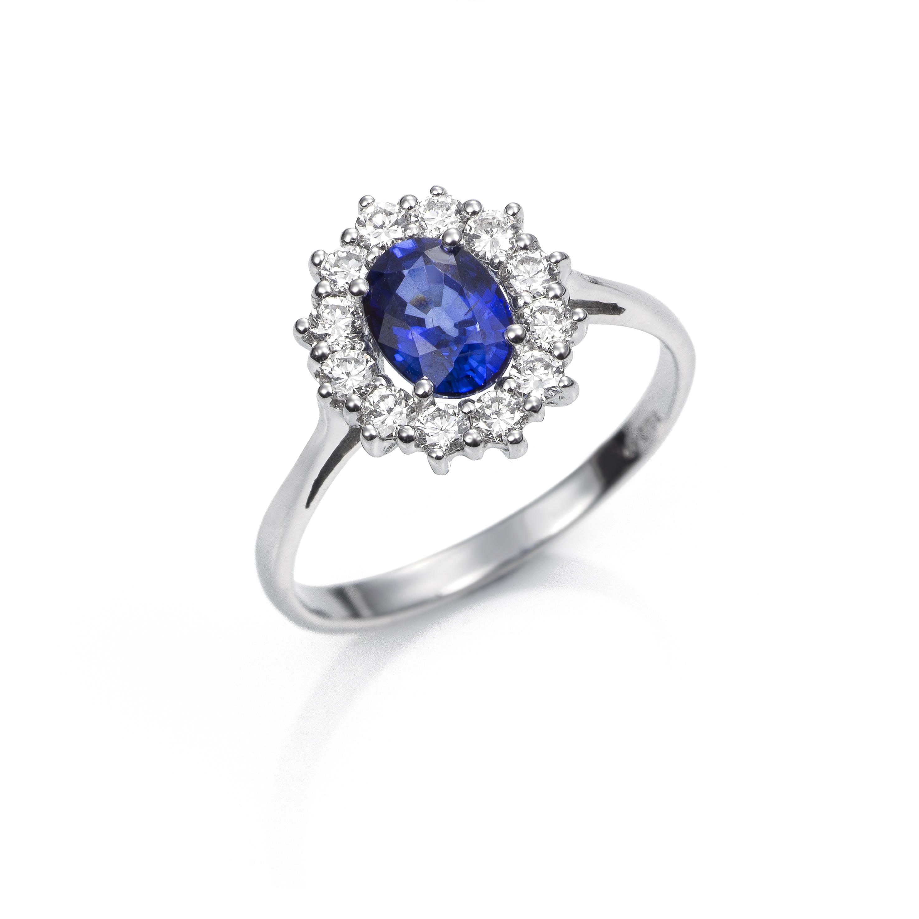 c0670934cf66 Anillo Oro blanco con Zafiro Azul y Diamantes - Girbes Joyas