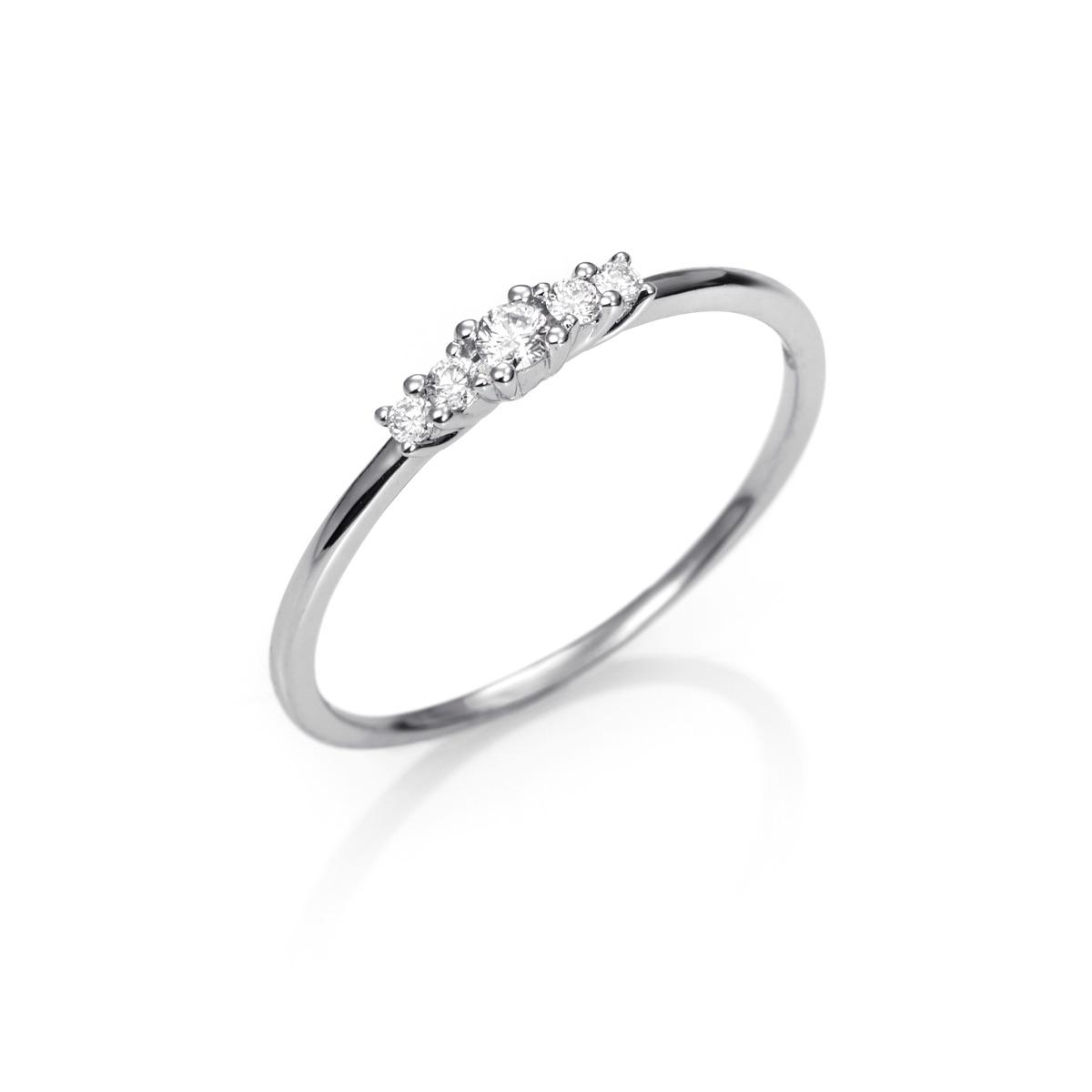 e2507b6e0fb7 **Anillo Oro blanco 18kts estilo Cinquillo con Diamantes talla Brillante