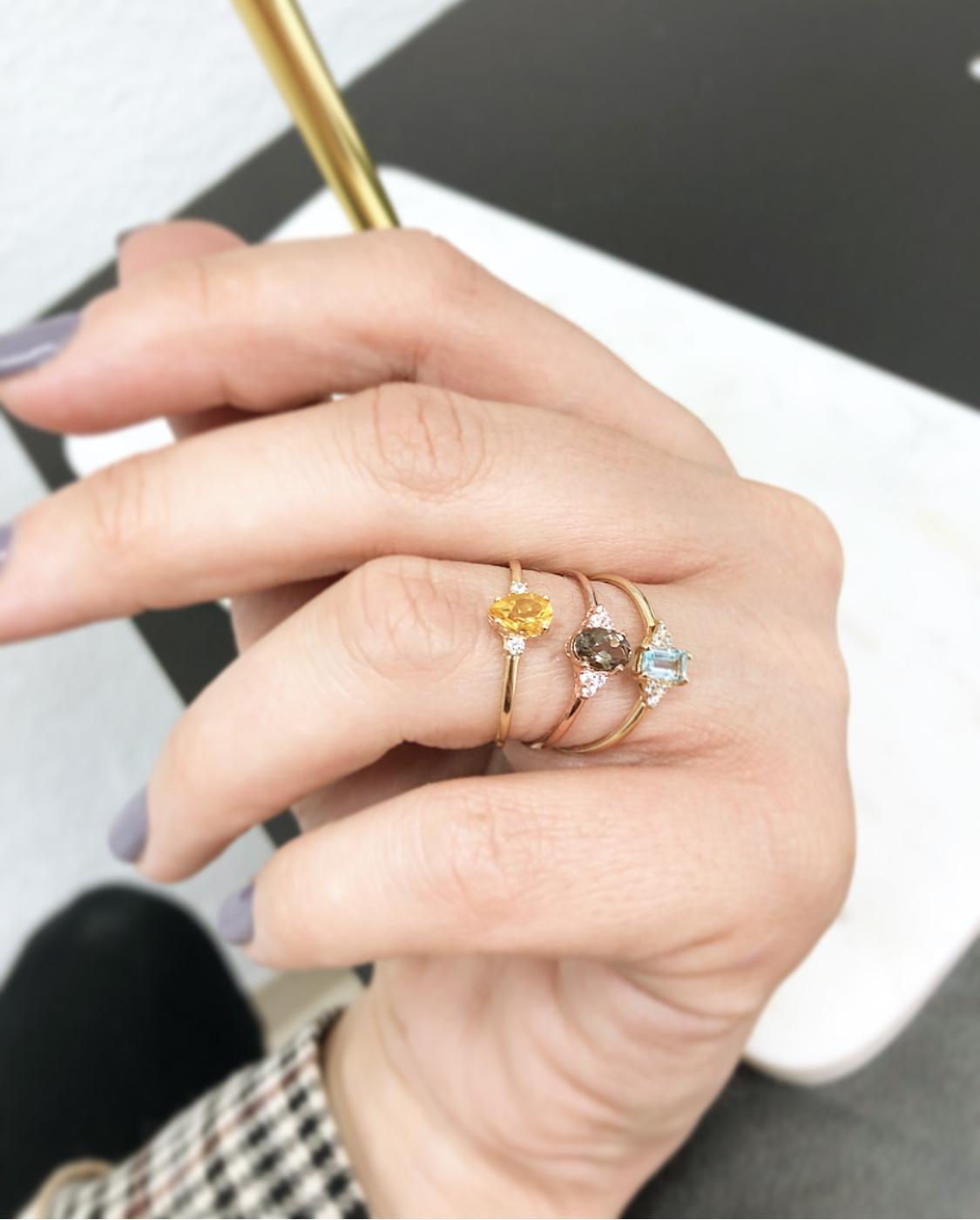 Anillo Oro 18kts Con Piedras Semipreciosas Y Diamantes Girbes Joyas